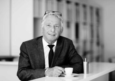 Dr. Rolf Moser